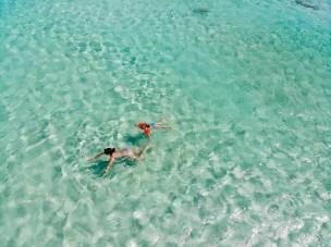 Klares Wasser auf dem Arashi Beach