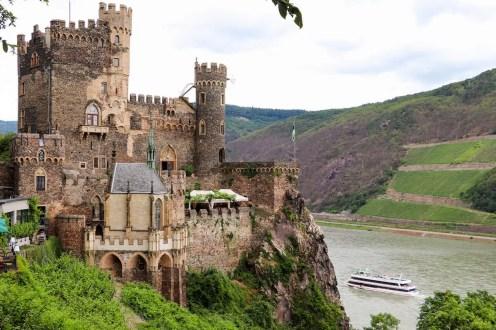 Romantik-Schloss Burg Rheinstein in Rheinland-Pfalz