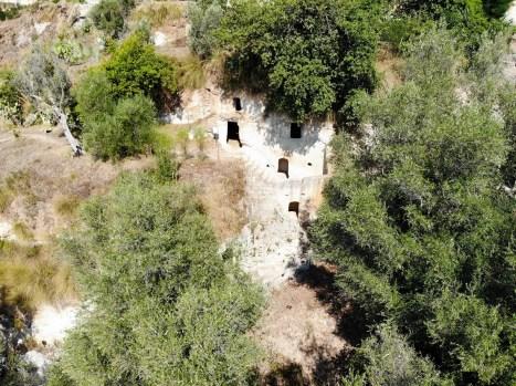Zungri Höhlenwohnungen Luftaufnahme