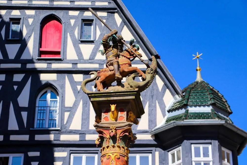 Marktplatzbrunnen in Rothenburg ob der Tauber