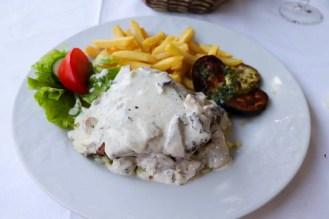 Steak mit Champignonsauce Restaurant Bazar