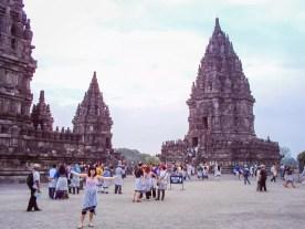 Auf der Tempelanlage von Prambanan