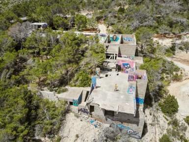 Hotelruine auf Cala D'en Serra