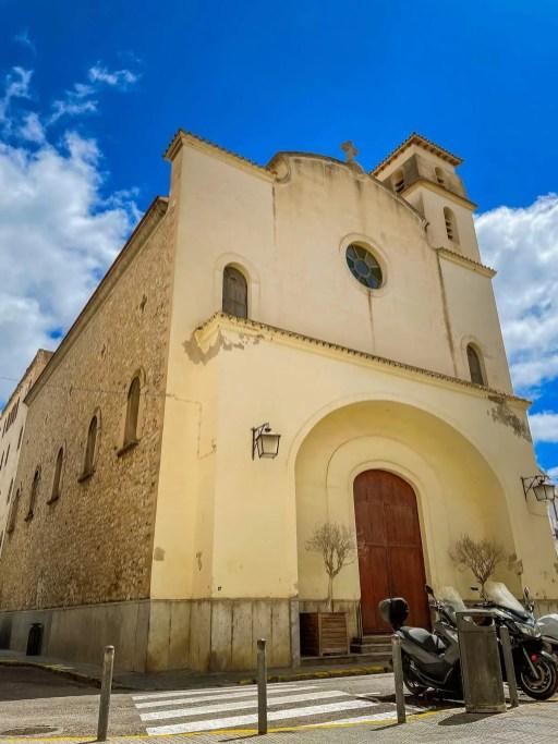 Kirche Sant Elm in dem Hafenviertel von Ibiza