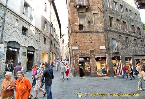 Shopping in Siena