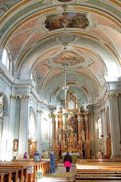 The main altar of the Parrocchia di Cortina d'Ampezzo