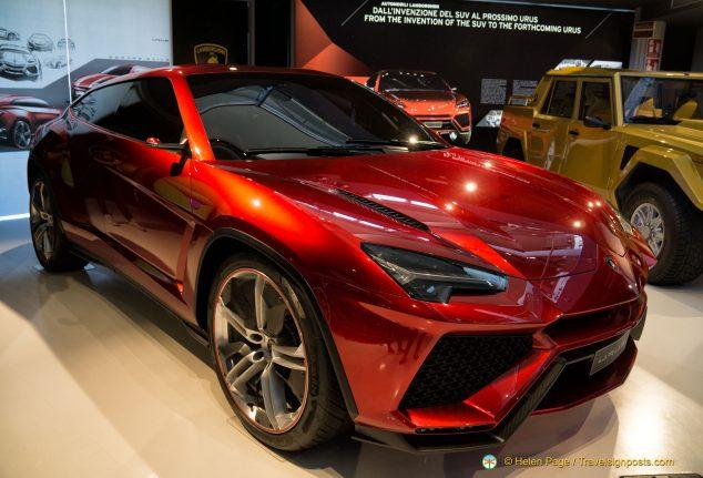 Lamborghini's super SUV, the Urus