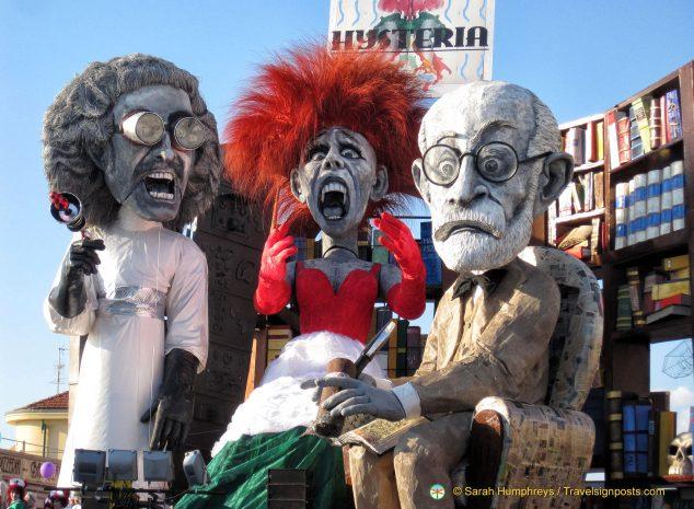 """Hysteria"" features enormous papier-mâché figures - Viareggio Carnival"