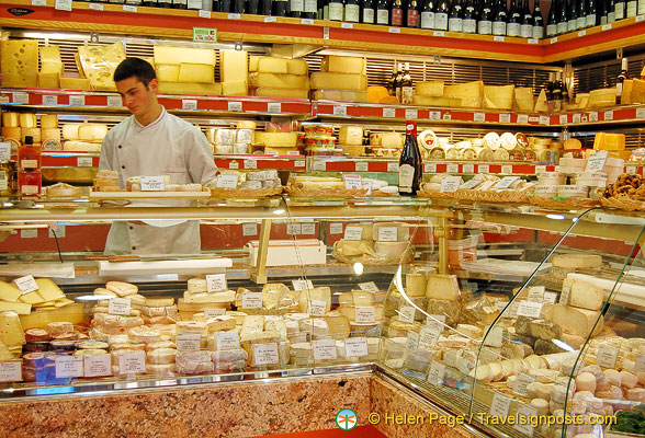 rue Cler cheese shop