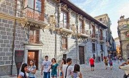 The Palacio de la Madraza Was Once an Arab University
