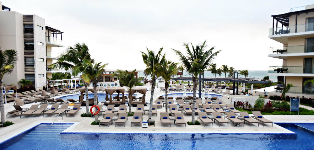 10Best Royalton Riviera Cancun Diamond Club Pool TravelSmart VIP Vacation Club