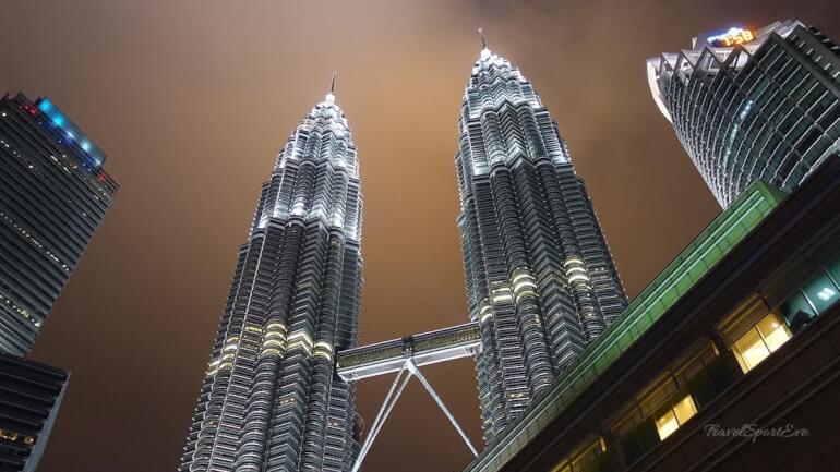 Südostasien Rundreise Petronas Towers Kuala Lumpur Malaysia