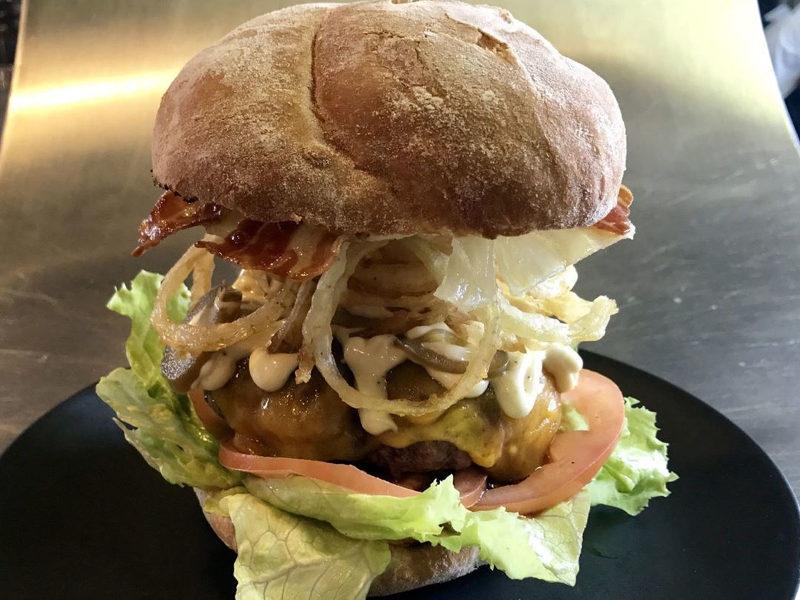 burger lettuce bun