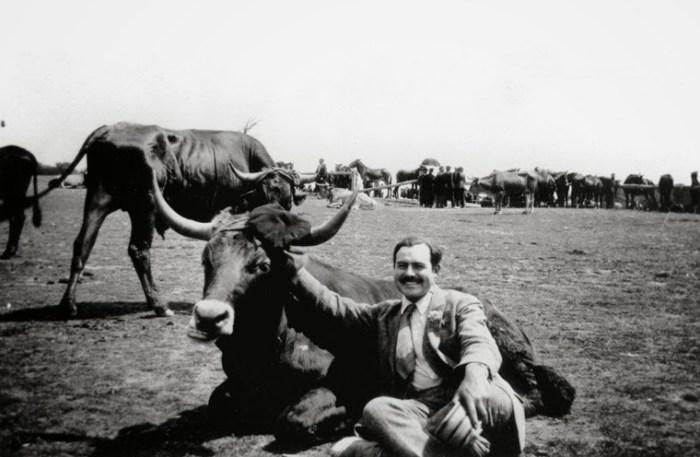 Con un toro, in Spagna, nel 1927