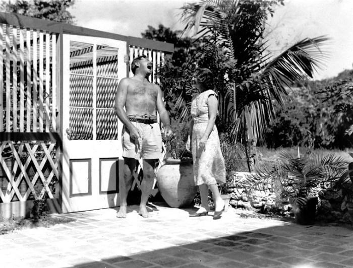 Hemingway e la moglie Pauline nella loro casa di Key West