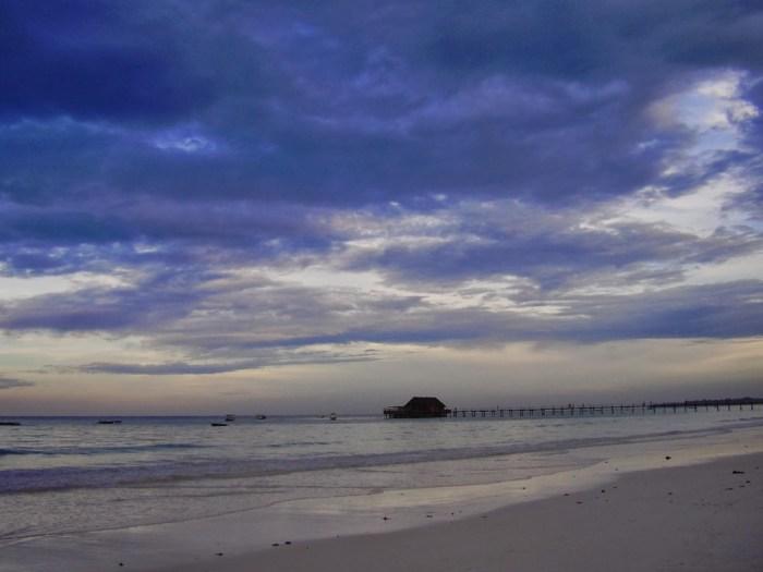 Tramonto in spiaggia a Kiwengwa