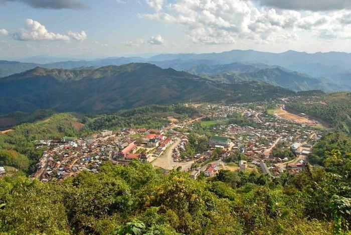 Phongsali vista dall'alto