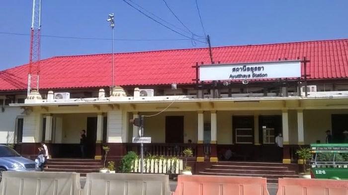 La stazione di Ayutthaya