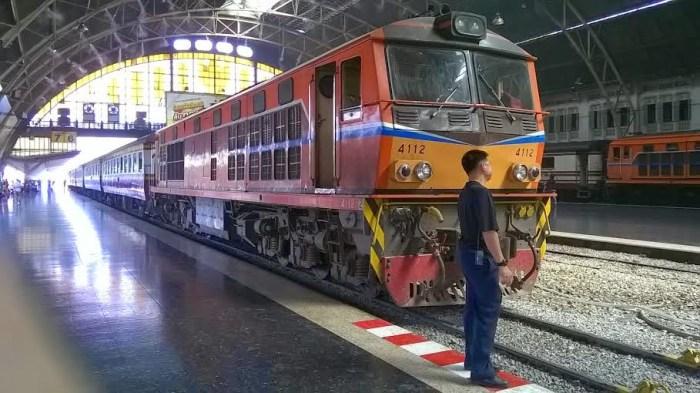Stazione di Hua Lamphong, Bangkok: si parte per Ayutthaya!