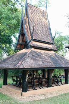 black-house-chiang-rai-1