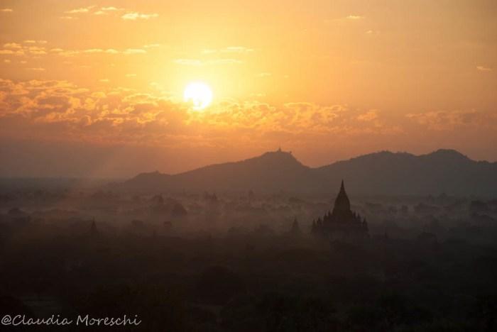 Alba sulla Piana di Bagan