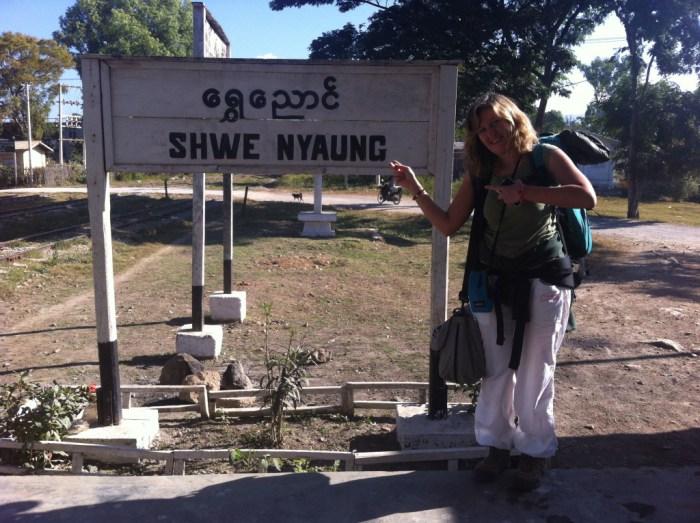 Io pronta a partire per il mio viaggio in treno in Birmania