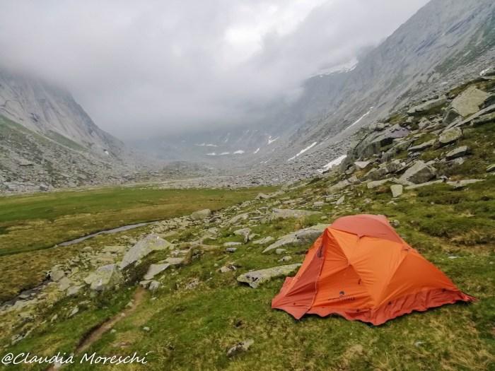 Bivaccare in tenda in montagna