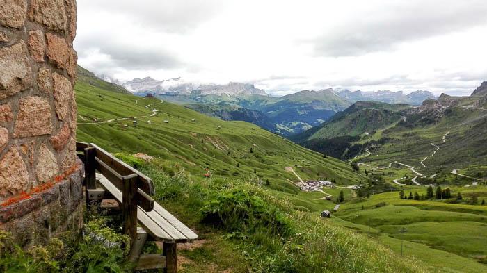 Vista sulla valle dal Passo Pordoi