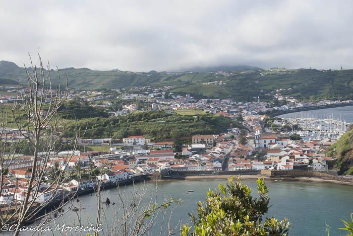 Il capoluogo di Faial, Horta, visto dall'alto del monte Brasil