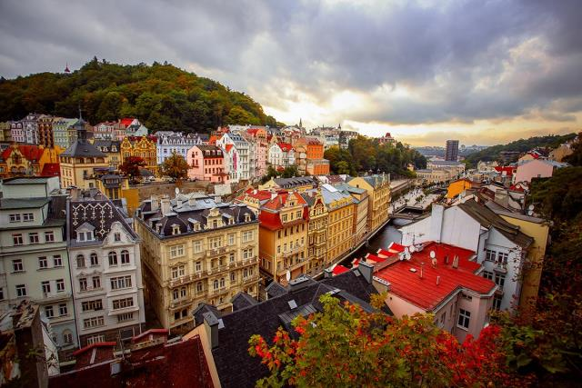Tσεχία δεν είναι μόνο η Πράγα: 5 πόλεις-διαμάντια που θα σας αφήσουν άφωνους