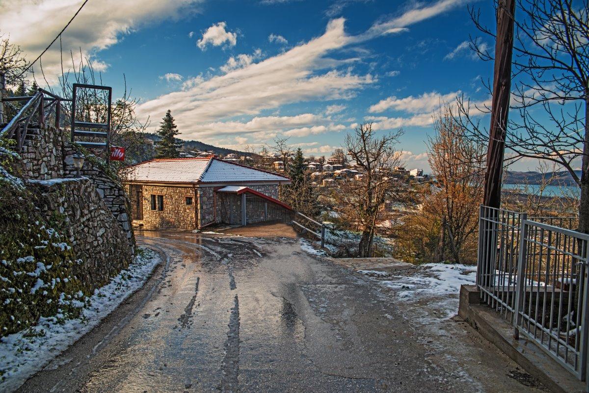 Λίμνη Πλαστήρα, χωριό