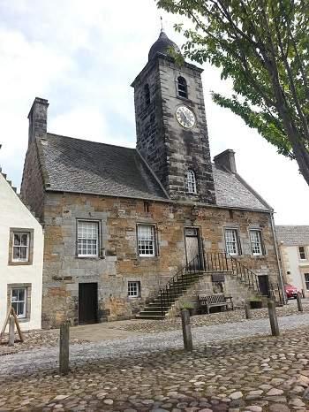 the square in culross