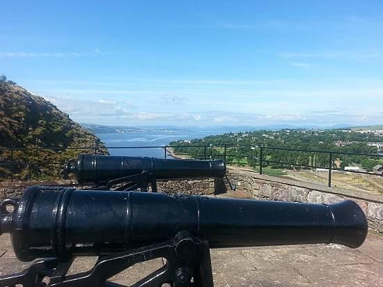 dumbarton castle canon defences.