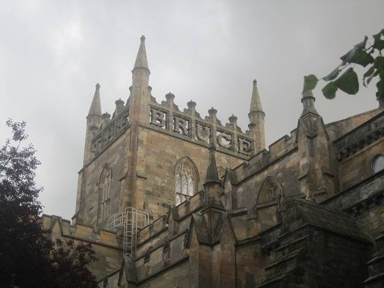 scottish independence tour dunfermline abbey.
