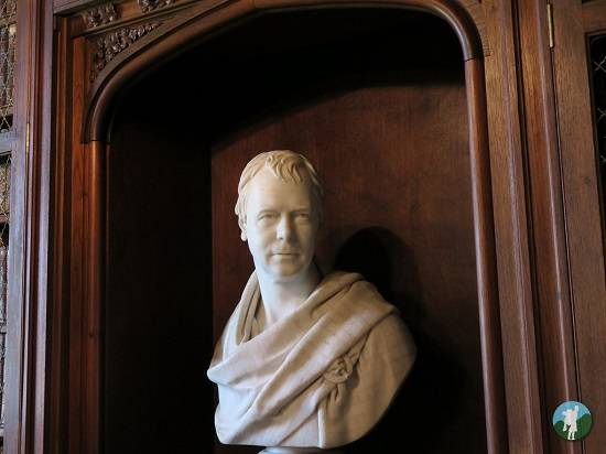 sir walter scott bust abbotsford house review.