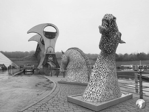 falkirk wheel mini kelpies