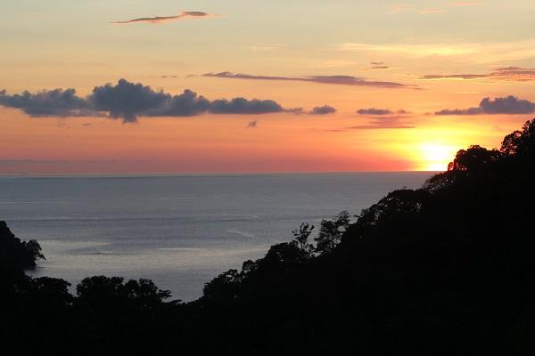 sunset costa rica travel blog