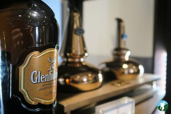 reviewing speyside whisky distilleries glenfiddich shop