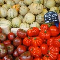 Marketplace on Ile de Ré, France 46°12N 1°25W