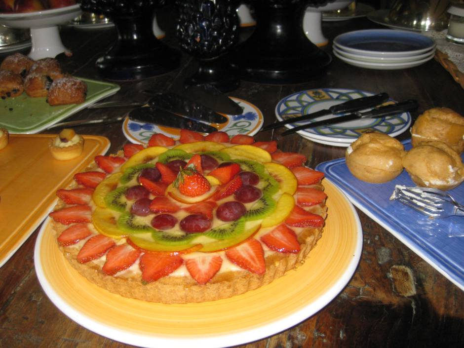 Complimentary cakes are served at teatime at the Villa Ducale, Taormina.