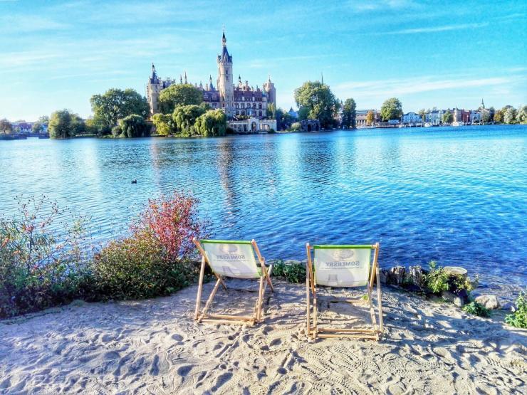 Instagram und Postkartenmotiv Schweriner See