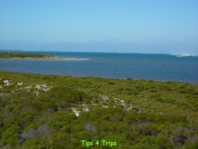 Located near Lake Thetis is Hansen Bay Lookout.  The view looks out acoss the Indian Ocean.
