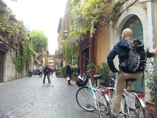 cycling in rome 4