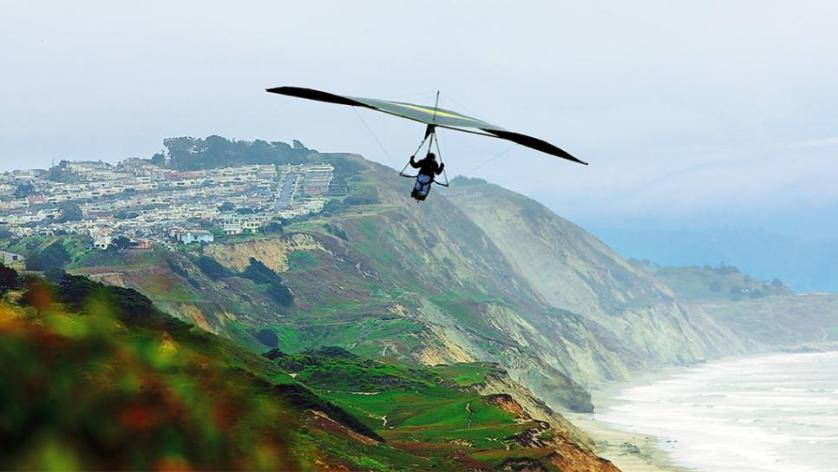 Hang Gliding In Fort Funston, San Francisco