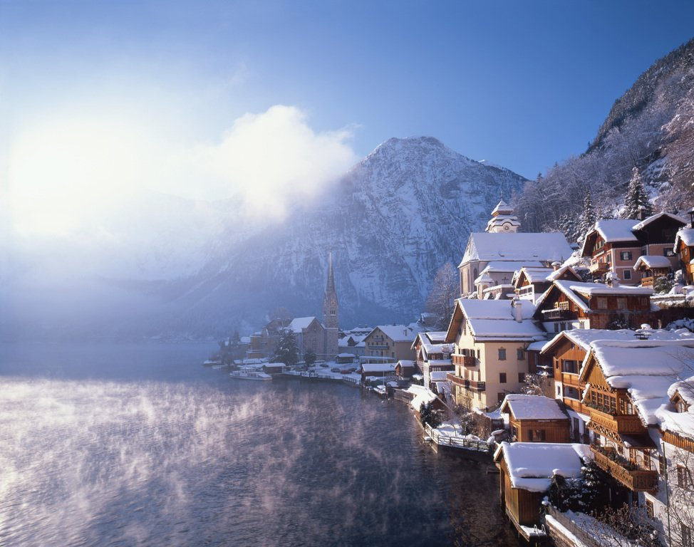 Hallstatt in winter during Christmas in Austria. © Oesterreich Werbung Popp Hackner