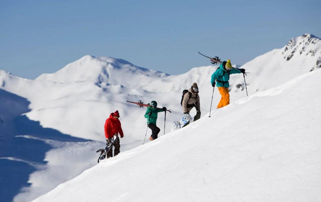 Skitourers at the Nordkette Innsbruck ski resort. © Tirol Werbung Mario Webhofer
