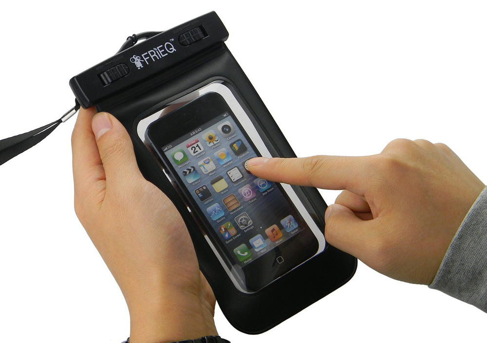 The touch screen is operable when in the waterproof case both above and below the water