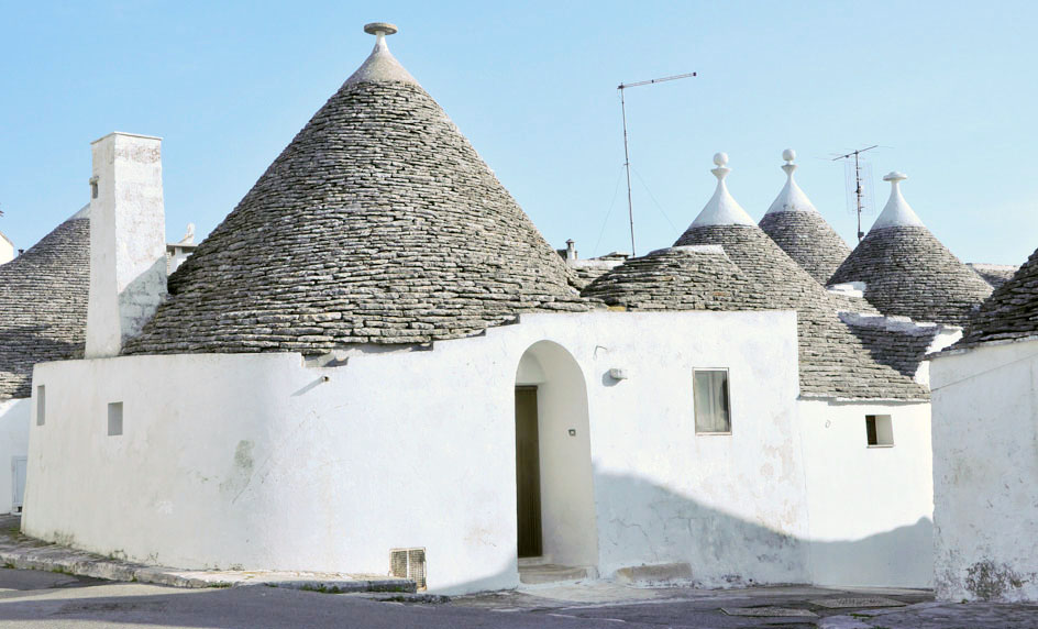 A typical trullo available through Trulli Holiday