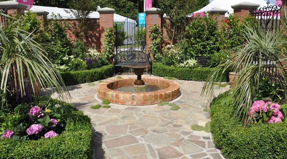 The elegant Charleston Garden