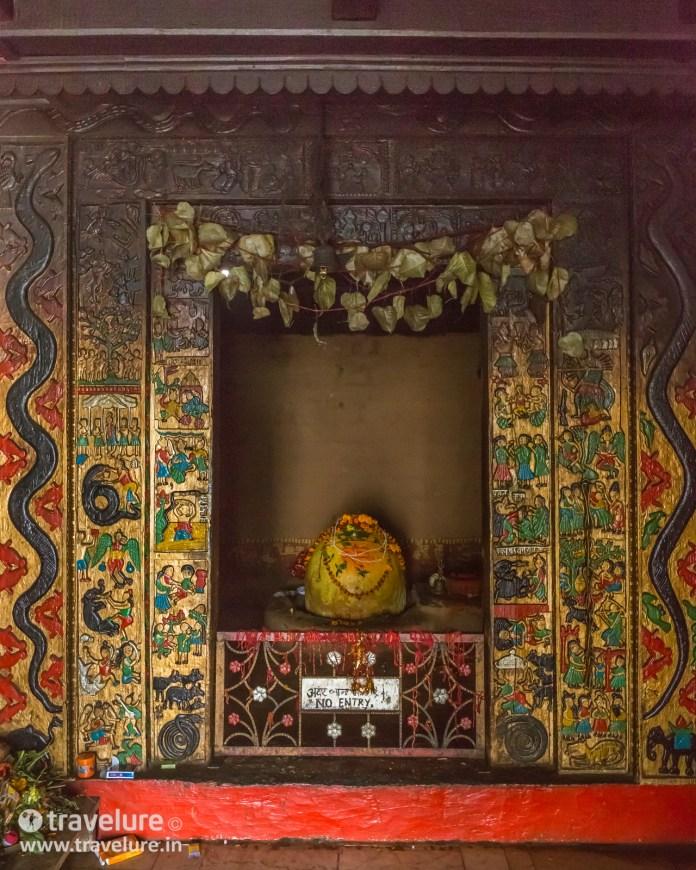 Bijli Mahadev Shivalinga